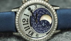 Read more about the article MOON PHASE COMPLICATION