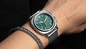 Read more about the article How to extend the life of the watch, what should we pay attention to in daily wear?